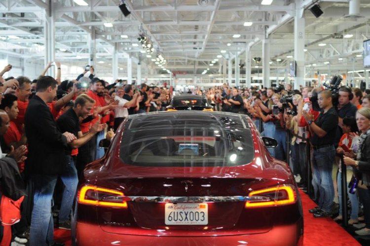Так работают в Tesla