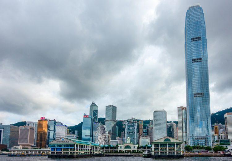 Сколько зарабатывают в Гонконге
