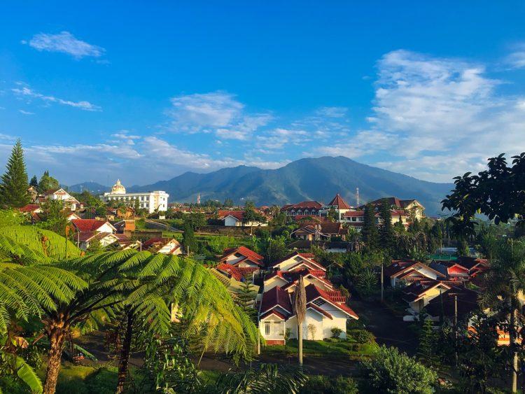 Пенсионный возраст в Индонезии