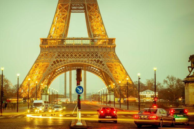 Метод подъема минимальной зарплаты во Франции