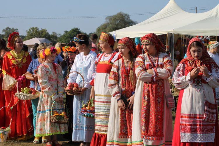 Средняя трудовая пенсия в России