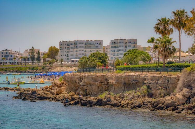 Пенсионный возраст на Кипре