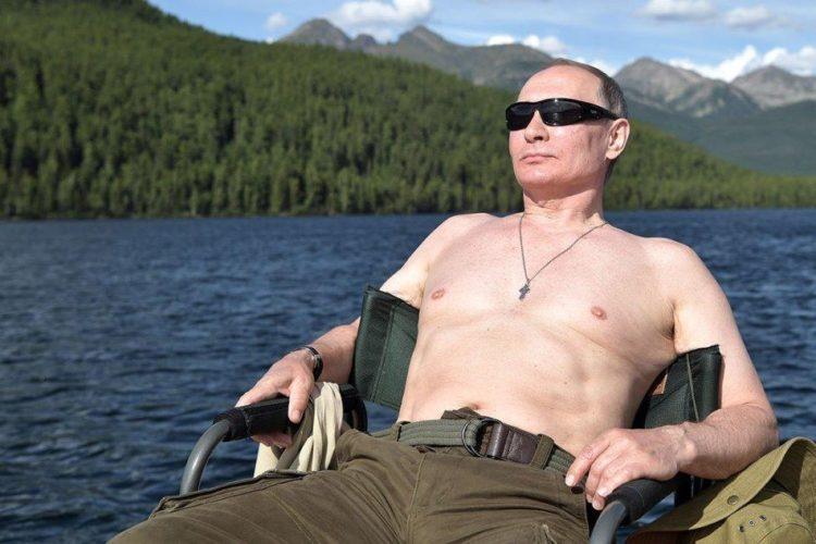 Путин отдыхает на природе