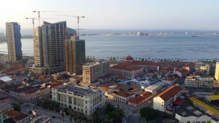 МРОТ в Анголе