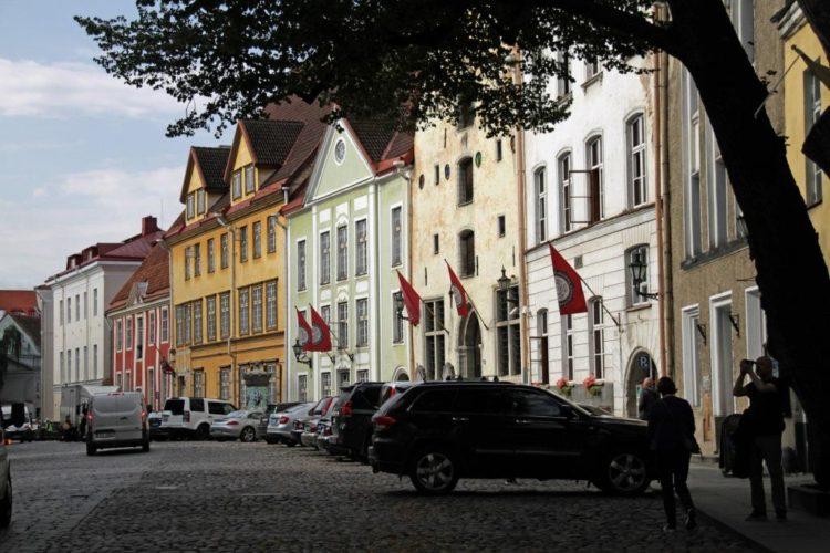Зарплаты в Прибалтике в 2020 году