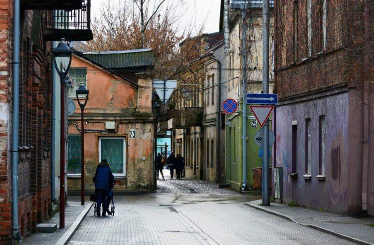МРОТ и средняя зарплата в Литве в 2020 году