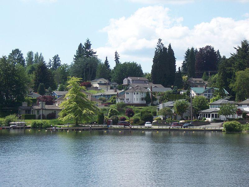 Вашингтон, частные дома у озера Стивенс