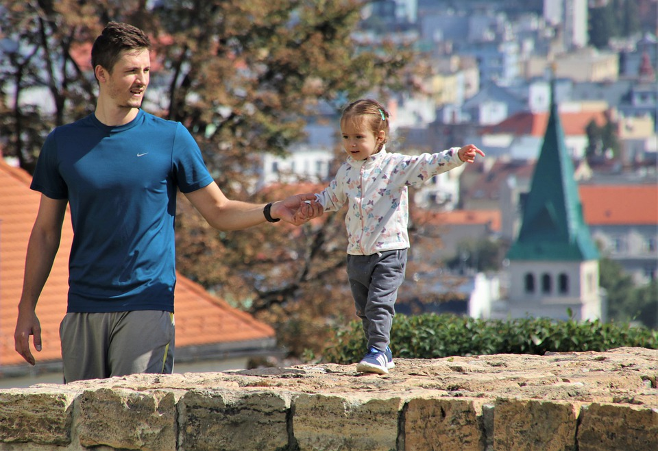 В Словакии мужчинам снижают пенсионный возраст за детей