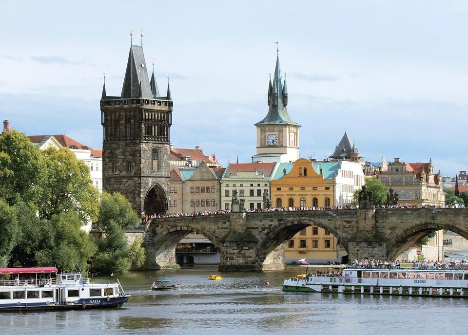 Туризм - один из ключевых секторов экономики Чехии, но не главный