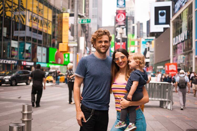 Семья в Нью-Йорке. Медианные зарплаты в США
