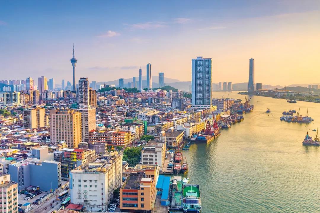 Современное жилье в Китае постепенно вытесняет ветхие сооружения
