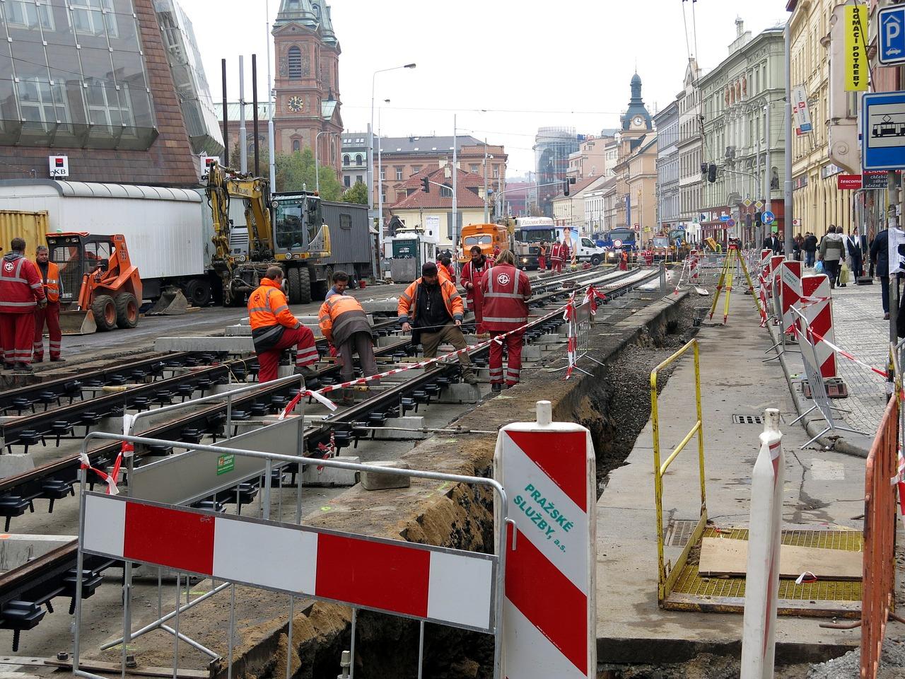 Так ремонтируют трамвайные пути в Праге