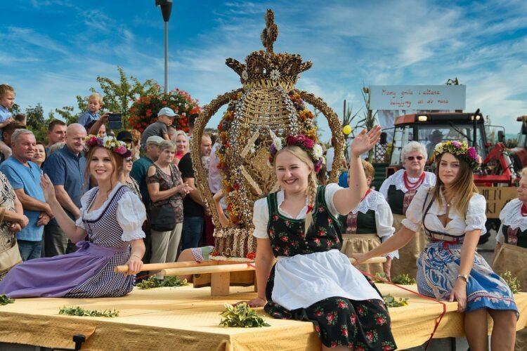 Дожинки - польский праздник Урожая